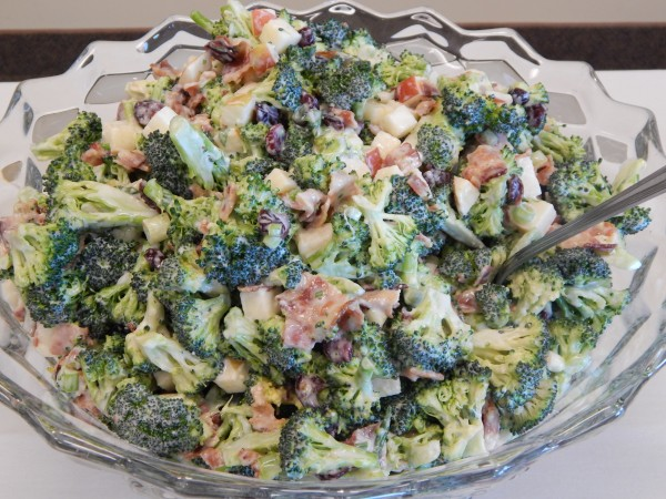 Broccoli Apple Salad-The Prize of Cooking